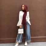 Kalau kamu termasuk hijaber yang banyak aktivitas, tentu kamu butuh pakaian yang bisa mendukung gerak aktifmu. Daripada ribet pakai rok, kamu bisa lirik celana kulot sebagai bawahan andalan kamu. Tengok bersama rekomendasi dari BP-Guide yuk!