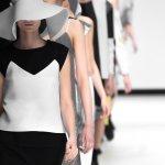 Fashion untuk wanita sangat cepat berputar. Banyak sekali model-model pakaian dan aksesori yang trendi yang bisa dipilih. Bahkan karena sangat kreatif, tak jarang muncul pula model pakaian dan aksesori yang terbilang unik atau aneh. Simak saja berbagai produk fashion terkini dalam artikel ini.