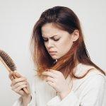Rambut merupakan mahkota indah yang sangat berharga bagi sebagian besar orang. Maka dari itu, kesehatan dan keindahan rambut menjadi hal yang begitu diperhatikan. Kerusakan pada rambut yang sering dialami oleh banyak orang adalah rambut rontok atau penipisan rambut. Bahkan kasus terburuknya, penipisan rambut bisa menjadi kebotakan yang serius. Untuk mengatasi hal tersebut, berikut BP-Guide rekomendasikan bahan alami yang dapat mengatasi masalah kerontokan rambut.