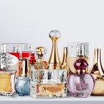 Parfum sudah menjadi barang yang wajib dimiliki oleh para wanita. Meski demikian, masih banyak orang yang belum bisa menemukan parfum yang sesuai dengan selera. Mudah didapat dan dibanderol dengan harga yang tejangkau, ini dia parfum Vitalis yang paling direkomendasikan bagi para wanita.