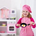 Bermain memang sudah jadi aktivitas keseharian anak. Anda wajib menemaninya agar si kecil bisa mendapatkan manfaat penuh dari bermain. Salah satu contoh permainan yang bisa dimainkan adalah masak-masakan. Bermain masak-masakan memiliki banyak sekali manfaat. Nah, yuk cek rekomendasi produk untuk main masak-masakan bersama buah hati!