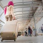 Kamu memang bisa memakai jilbab apa saja dengan jenis bahan yang mana saja ketika berada di lingkunganmu. Tapi, ketika melakukan perjalanan wisata, kamu tentu harus mengenakan jilbab traveler yang akan membuat perjalananmu lebih nyaman tanpa ribet. Yuk simak rekomendasi dari kami.