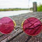 Cobain deh 10 Rekomendasi Kacamata Stylish untuk Gaya Lebih Modern! (2020)