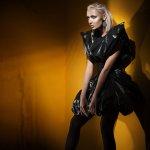 10 Hasil Karya Gaun Daur Ulang dari Limbah yang Unik dan Mencengangkan