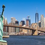 Siapa yang tak senang berkunjung ke New York yang punya julukan Big Apple ini? Kalau kamu punya kesempatan datang ke kota ini, jangan lupa belanja suvenir di 4 kawasan ini dan bawa pulang untuk keluarga atau kerabat di rumah, ya!