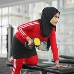 Pilihan menjadi seorang muslimah yang baik tentu harus konsisten, baik dalam bersikap maupun berpakaian. Untuk berolahraga pun seorang muslimah sejati tidak perlu khawatir lagi dalam memilih pakaian yang tepat. Kini BP-Guide memiliki rekomendasi celana senam rok yang pasti kamu suka.