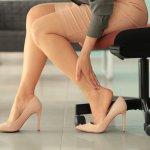 Office look seorang wanita, salah satunya ditunjang oleh sepatu kerja. Sepatu kerja yang tepat bisa membuat tampilan semakin oke dan kece. Nah agar tak salah memilih, berikut rekomendasi sepatu kerja yang bisa dipilih untuk tampilan maksimal.