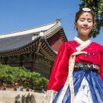 Bagi banyak orang, kebudayaan Korea menjadi daya tarik tersendiri yang akhirnya mengundang wisatawan internasional untuk datang langsung ke Korea. Tetapi, kamu tahu nggak kalau ada macam-macam pakaian tradisional Korea yang unik dan keren, lho! Yuk, langsung baca aja!