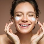 If you start preventive measures earlier, you will be able to slow down the fine lines and wrinkles for a longer time.  Regarding the skincare products, it is confusing when you stand in the aisles of the shop and find so many different products or on online websites. In this post, we have curated a few of the best suggestions for you to choose from many anti-ageing creams.