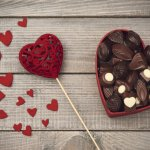Hari kasih sayang jatuh pada tanggal 14 Februari setiap tahunnya. Pada hari ini kita berusaha menunjukkan rasa cinta dan sayang kita kepada orang-orang terkasih kita. Izinkan BP-Guide membantu upaya kamu dengan rekomendasi-rekomendasi berikut. Happy Valentine's Day!