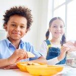10 Rekomendasi Resep Jajanan Anak Sekolah Praktis, Bisa Jadi Peluang Usaha juga!