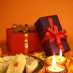 Diwali gifting is now easier than ever with these assorted gift baskets. These gift baskets contain everything from chocolates and instant noodles to Indian sweets and dry fruits, making them the perfect gift options for everyone. Read our article to find out how to get your hands on these.