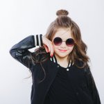 Fashion ala Korea Selatan itu menggemaskan sekaligus keren. Kalau ingin menyematkan gaya Korea ke si kecil ternyata bisa, lho. Yuk simak rekomendasinya agar penampilan si kecil makin imut dan menggemaskan.