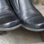Sepatu sudah menjadi bagian dari penampilan laki-laki maupun wanita. Sedangkan sepatu pantofel tentunya menjadi salah satu andalan untuk tampilan formal serta maskulin seorang lelaki. Berikut ini, BP-Guide akan mengulas tentang sepatu pantofel. Tentunya, juga akan ada rekomendasi produk untuk Anda.