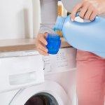 Deterjen cair memiliki banyak kelebihan ketimbang deterjen bubuk. Apa saja kelebihannya? Simak ulasan BP-Guide berikut ini. Tidak hanya itu, BP-Guide juga memberikan rekomendasi deterjen cair terbaik untuk Anda.