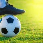 Sepatu yang tepat akan memberi perbedaan pada permainan sepakbola Anda. Itulah kenapa atlet sepakbola dunia memilih untuk menggunakan sepatu berkualitas tinggi. Sepatu Nike adalah sepatu bola yang dibuat dengan kualitas tinggi, teknologi canggih dan kenyamanan maksimal.