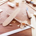 Apa menurutmu membuat kerajinan tangan dari kayu sulit? Bisa jadi kamu salah loh, soalnya menurut ulasan BP-Guide membuat kerajinan tangan dari kayu tidak terlalu sulit. Coba yuk dilihat ide kerajinan tangan dari kayu yang bisa kamu buat sendiri ini.