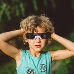 Kacamata biasa sudah umum digunakan sebagai aksesoris sehari-hari, namun jika kamu ingin tampak berbeda, enggak bisa dong pakai kacamata biasa. Jika ingin mencoba kacamata unik sebagai penunjang fashion oke kamu, cek deh berbagai kacamata keren yang mungkin akan sesuai dengan selera kamu di sini.