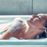 Kulit kering harus dirawat dengan baik agar kelembapannya tetap terjaga. Kamu perlu menggunakan sabun khusus untuk kulit kering yang kaya akan pelembap. BP-Guide akan merekomendasikan deretan sabun mandi untuk kulit kering yang bisa kamu pilih.
