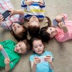 Anda mungkin sering mendapat imbauan agar anak tidak terpapar gadget sedari kecil. Imbauan itu ada benarnya karena tidak semua konten dalam gadget pantas untuk anak. Tetapi, gadget untuk anak usia dini yang ditampilkan di artikel ini sangatlah aman dan berdampak positif untuk anak-anak loh!