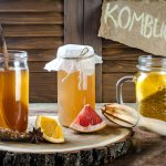 Teh kombucha adalah varian jenis teh yang kaya akan manfaat. Kaya akan antioksidan, teh ini juga bisa digunakan untuk membakar kalori. Yuk, cek bersama aneka teh kombucha yang bisa jadi pilihan kamu!