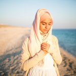 9 Rekomendasi Ini Cocok Jadi Panduan Baju Pantai Muslimah Kamu! (2018)