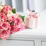 結婚という新たな家庭を築く素晴らしいお祝い事に、何か贈り物をしたいと考える人はとても多いです。そこで今回は、予算を2,000円に設定し、【2019年最新版】結婚祝いのプレゼントにおすすめのアイテム12選をランキング形式でご紹介します。近年の結婚祝いプレゼントは、何に使ったらいいのかわからない記念の品よりも、実用性の高い日用品などが喜ばれています。ぜひプレゼント選びの参考にしてください。