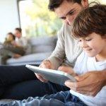 Tak sedikit anak-anak yang sudah mengenal gadget seperti tablet. Rata-rata mereka menggunakannya untuk bermain atau menonton video. Padahal tablet bisa difungsikan agar lebih berguna dan menyenangkan. Ini rekomendasi tablet untuk anak agar semakin pintar.
