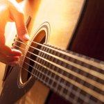 Memilih gitar akustik tidak begitu sulit, tapi juga jangan asal. Bila mendapatkan gitar akustik berkualitas jelek, selain suaranya tidak begitu baik, juga akan menyebabkan proses latihan Anda menjadi lebih sulit. Oleh karena itu, simak dulu tips memilih gitar akustik terbaik dari BP-Guide berikut ini.