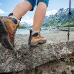 Melakukan kegiatan di luar ruangan seperti hiking sangat menantang dan digemari sebagian orang. Untuk menjaga kenyamanan dan keselamatan kaki agar tidak mudah cedera, gunakan sepatu yang didesain khusus untuk kegiatan outdoor. Berikut rekomendasi sepatu outdoor terbaik dari BP-Guide.