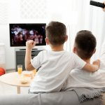 Siapa yang bisa menyangkal kalau televisi adalah barang elektronik yang kini wajib dimiliki oleh setiap rumah? Tak perlu merogoh kocek dalam-dalam karena kini televisi murah juga mudah diperoleh dan dimiliki. Cek rekomendasinya berikut ini!
