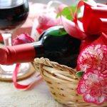 母の日のプレゼントとしてワインのギフトは不動の人気があります。ここでは2019年最新情報のおすすめワインをまとめました。ワインとアレンジフラワーのセットや美味しいチーズとのセットなどに焦点を当てています。お母さんの好みに合うワインを選ぶ参考にしてください。