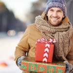 20代前半・20代後半の彼氏に人気のクリスマスプレゼントガイド!予算相場や喜ばれるメッセージ文例も紹介!