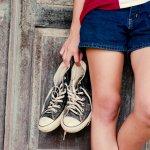 Sepatu Converse memang menawarkan sesuatu yang berbeda. Modelnya yang kasual sangat pas untuk menjadi teman bersantai. Sudah tahu model-model sepatu Converse yang paling baru? Simak ulasannya hanya di BP-Guide.