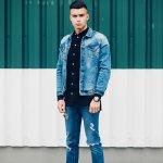 Tampil dengan jaket jeans selalu sukses membuat Anda tampil keren dalam segala suasana. Jaket jeans juga termasuk fashion item yang bisa menghasilkan beragam gaya sesuai dengan padu padannya. Nah, simak dulu yuk inspirasi gaya berbusana dengan jaket jeans agar makin keren.