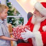 Giáng Sinh này bạn hãy giúp cho điều ước được nhận quà từ ông già Noel của bé thành hiện thực nhé. Một món quà nhỏ sẽ làm cho ký ức tuổi thơ của bé thật đẹp và tràn đầy niềm vui. Bài viết dưới đây sẽ gợi ý giúp bạn 10 ý tưởng độc đáo cho món quà Giáng Sinh tặng bé trai 6 tuổi (năm 2020), nếu bạn đang băn khoăn chưa biết nên tặng gì cho con thì hãy tham khảo ngay nhé!