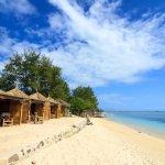 Tak perlu jauh-jauh ke luar negeri, jika kamu ingin mengunjungi panorama pantai sebagai tempat tujuan wisatamu selanjutnya. Indonesia memiliki banyak pantai indah kelas dunia, lho!