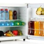 Ingin menyimpan makanan atau minuman agar awet tapi tidak punya cukup ruang? Anda bisa pertimbangkan kulkas mini sebagai solusinya. Selain lebih murah, kulkas mini juga bisa jadi alternatif yang dapat Anda gunakan saat bepergian. Cek rekomendasi dan ulasannya berikut!