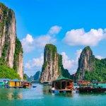 Vietnam adalah salah satu negara di Asia Tenggara yang kerap dijadikan destinasi wisata. Negara yang banyak mendapatkan pengaruh dari Perancis ini memiliki tradisi dan budaya yang unik. Pilihan oleh-oleh yang ada di Vietnam juga menarik dan layak untuk dibawa pulang.