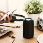 Mau kemping atau piknik? Kamu jangan lupa membawa speaker bluetooth, ya. Ini bisa jadi teman kamu untuk menikmati musik selama di perjalanan atau selama kemping. Pastinya dengan musik, kegiatan kamu jadi lebih menyenangkan. Yuk, pilih rekomendasi speaker bluetooth dari kami