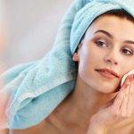 इन शीर्ष 6 उत्पादों का उपयोग करें जो आपको बहुत ही कम कीमत में एक स्पष्ट और साफ त्वचा देंगे। साफ़ त्वचा के लिए 5 घरेलू नुस्खे भी (2021)