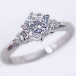 ブランド婚約指輪(エンゲージリング)