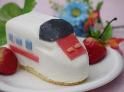 新幹線ケーキ