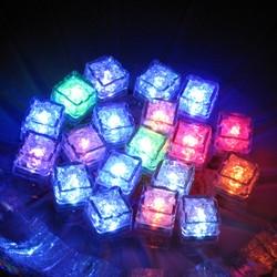 光る氷 ライトキューブ