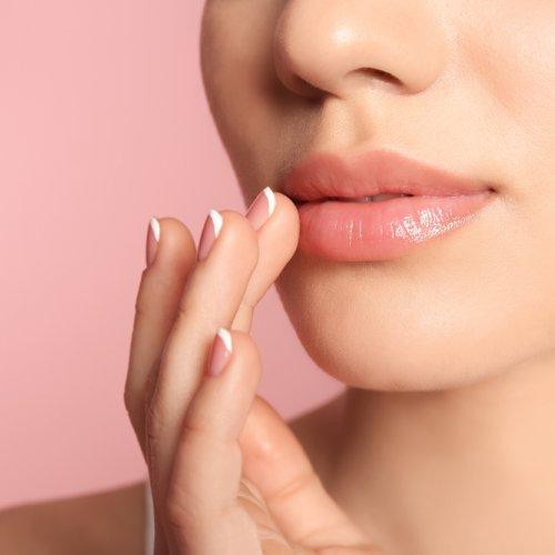 Atasi Bibir Kering Dengan 10 Rekomendasi Lip Balm Aloe Vera Rekomendasi Kami 2020