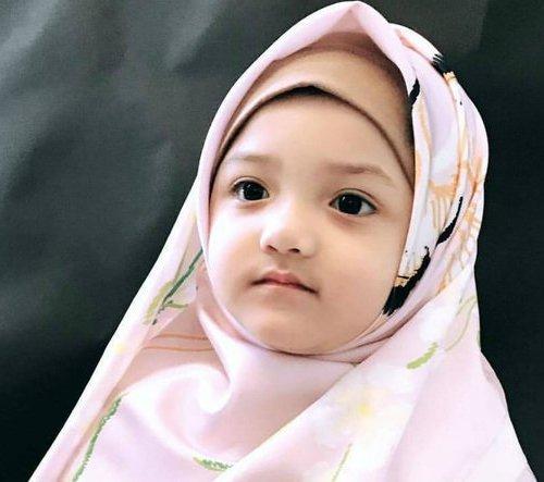 Yuk Biasakan Anak Memakai Hijab Sejak Kecil 6 Rekomendasi Hijab Untuk Bayi Dari Hijab Lubnakids Ini Nyaman Digunakan Tanpa Rasa Gerah