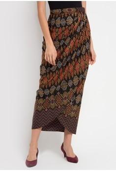 Tampil Beda Saat Pesta Dengan 10 Rekomendasi Rok Batik Anggun Nan Cantik