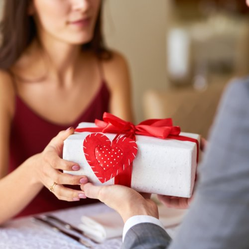 What to get your boyfriend for 3 month anniversary