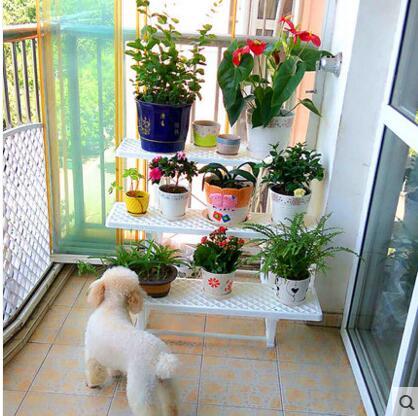 Ingin Rumah Yang Estetik Pilihlah 10 Rekomendasi Rak Bunga Yang Cantik Ini 2020