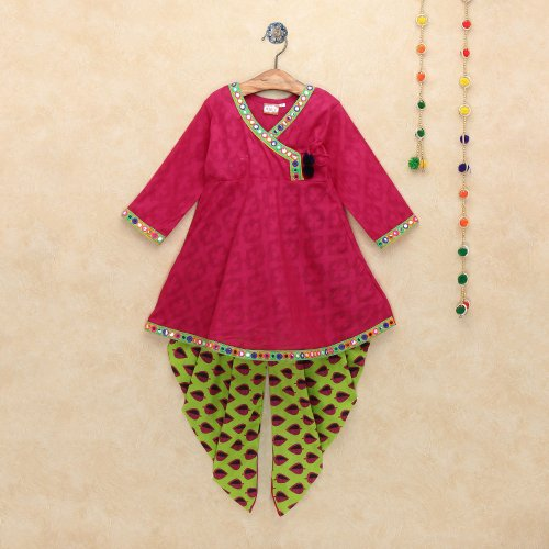 10 Pretty Kurti Designs For Kids To Dress Up Your Beautiful Daughter In 2020 Make Your Little One Look Adorable In Ethnic Wear